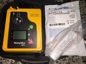 Welch Allyn Aed 10 With New Battery And New Pads