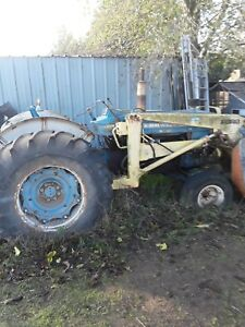 Ford 5000 Diesel Tractor With Loader