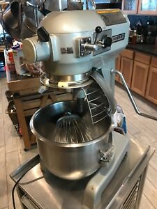 Hobart A200 t Mixer Paddle Dough Hook 2 Whisks 2 Bowls One Owner 110volts