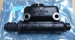 New Authentic Case Ih L25419 Master Cylinder Genuine Case Product