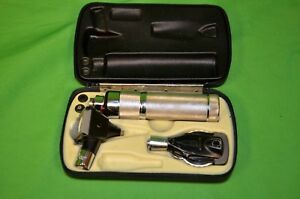 Welch Allyn 240 Otoscope opthalmoscope W case A Condition