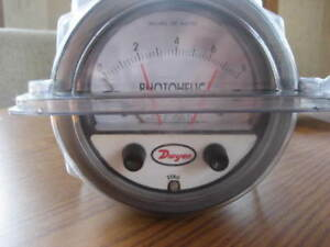 Dwyer A3000 Series Photohelic 3300 Pressure Switch Gauge