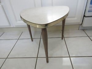 Tripod Vintage Mid Century Formica Side Table Plant Stand Guitar Pick Wedge