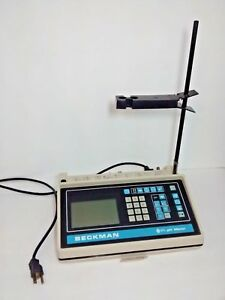 Beckman Model 71 Ph Meter Cat 123000 W power Cord Powers On Untested