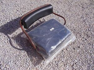 International 300 350 Utility Tractor H Deluxe Seat Assembly W New Cushion