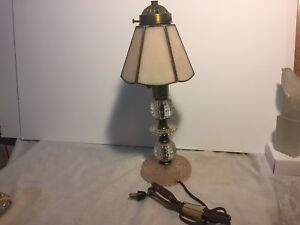 Vintage Pressed Glass Crystal Vanity Boudoir Bedroom Table Desk Lamp