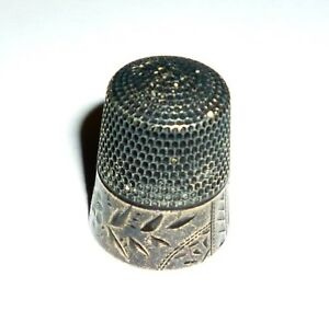 Antique Simons Brothers Sterling Silver No 11 Thimble Cut Flower
