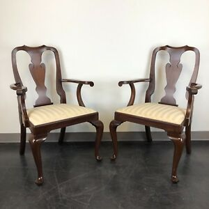 Henkel Harris Mahogany Queen Anne Dining Captain S Arm Chairs