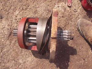 Farmall 400 450 Tractor Right Inner Brake Housing Axle Drive Gear W Bearing
