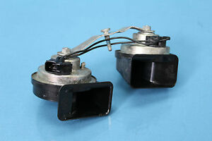 2008 Cadillac Sts 3 6 7 Pair Left Right Low High Note Tune Oem Horn