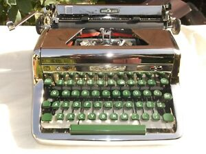 Antique 1960s Nickle Royal Manual Portable Typewriter W Carry Case