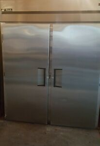 Tgfri 2s True Roll in 2 Door Freezer