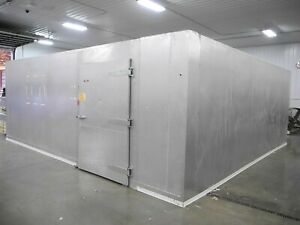 25 X 15 X 10 Walk In Cooler Freezer Wit Fan Blowers Remote