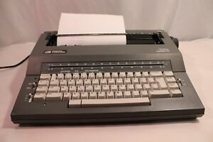 Smith Corona Deville 100 Typewriter Spell Right Dictionary Vintage