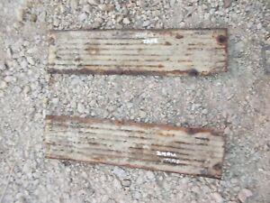 International 240 Utility Tractor Ih Pair set 2 Short Hood Panel Panels Und Tank