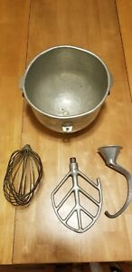 Hobart 10 Quart Qt Mixer Whip Dough Hook And Beater And Bowl Used Look