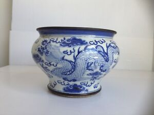 Chinese Porcelain Blue White Spittoon With Dragon And Cloud