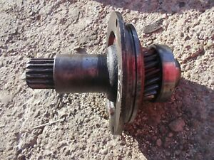 Farmall 560 Tractor Ih Transmission Input Drive Shaft W Gear Bearing 370663r1
