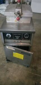 Henny Penny Model 600 Pressure Deep Fryer Natural Gas 30 Day Warranty