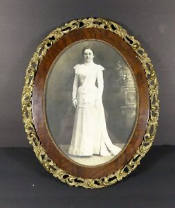 Antique Gold Gilded Oval Carved Wood Picture Frame With Bride Victorian 16