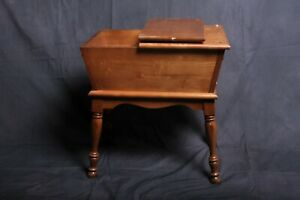 Old Colony Maple Dough Box End Table