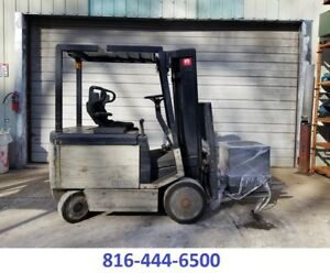 Crown Forklift 4500 Lbs Capacity Great Cushion Tire Forklift Sideshift Electric