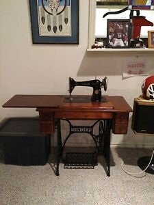 Antique Singer Treadle Sewing Machine And Cabinet Model 66 Accessories