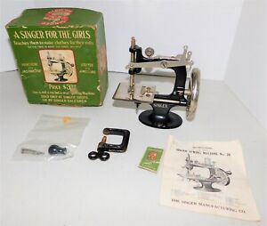 Antique Childs Model 20 Cast Iron Singer Sewing Machine With Box Manual Needles