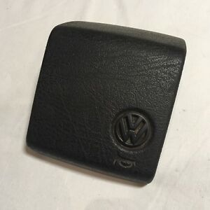 Vw Golf Jetta Mk2 Gl Cl Gti Genuine Steering Wheel Horn Button 191419693c