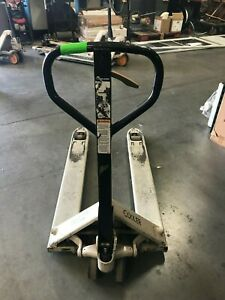 Crown Pallet Jack Pth50 27 48 Hand Truck 5000lb Capacity Good Working Condition