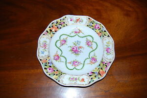 Superb Carl Thieme Dresden Scalloped Reticulated Hp Flowers Cabinet Wall Plate 2