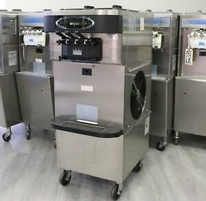 2012 Taylor C723 Soft Serve Yogurt Machine 1 Phase Air Cooled With Agitators