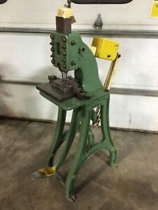 Niagara No 82 Kick Punch Press Foot Operated For Sheet Metal Plastic Etc