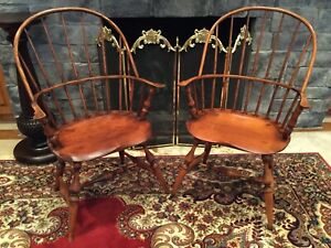 Pair 2 Antique Windsor Chairs