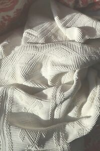 Antique French Pure Cotton Hand Crocheted Bed Cover Or Throw 81 X 67