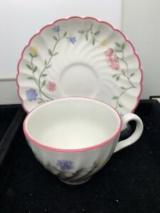 Vintage Johnson Brothers Tea Cup And Saucer Lt 350