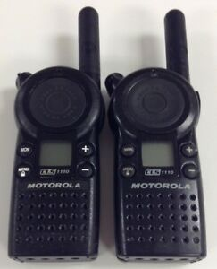 Motorola Cls1110 5 mile 1 channel Uhf 2 way Radio Great Condition Lot Of 2