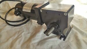 24v Dc 280 In Lbs High Torque Gear Motor Right Angle Keyed 82 1 Dayton
