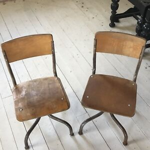 Vntge Matching Pair Of Children S Very Small Wood Metal School Chair Curved Legs