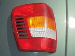 2000 Jeep Grand Cherokee L Drivier Tail Light Factory Oem 1999 2004