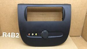 15295660 2007 2014 Yukon Center Console Rear Temperature Control Bezel Trim
