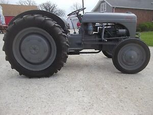 Ford Ferguson 9n Tractor 3pt Hitch Pto Repainted Nwer Tires Nice Grill Guard