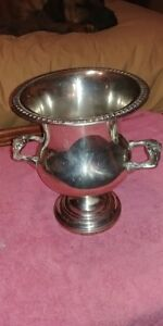 Sheridan Silver Plate Champaigne Wine Chiller Cooler Urn Ice Bucket Trophy