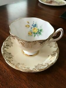 Vintage Salisbury Bone China Ivory Yellow Flower Tea Cup Saucer England