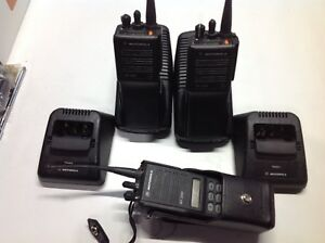 Motorola Mt2000 Uhf Radio 48ch H01kdd9aa4an Lot Of 2 Plus One H01sdh9aa7an