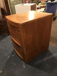 Solid Oak 2 Drawer File Cabinet With Lock Key