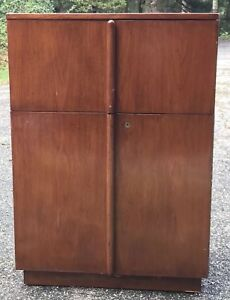 Gorgeous Vintage Liquor Cabinet Mini Bar