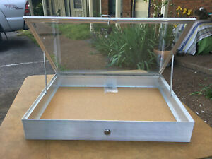 Aluminum Display Case 18 X 24 X 31 4 Knives Cards Gun Jewelry More