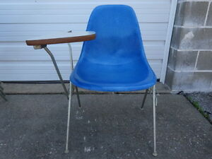 Vintage Mcm Herman Miller Dss Eames Side Shell Stacking Chair With Flip Up Desk