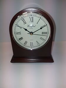 Wooden Case Battery Mantle Clock
